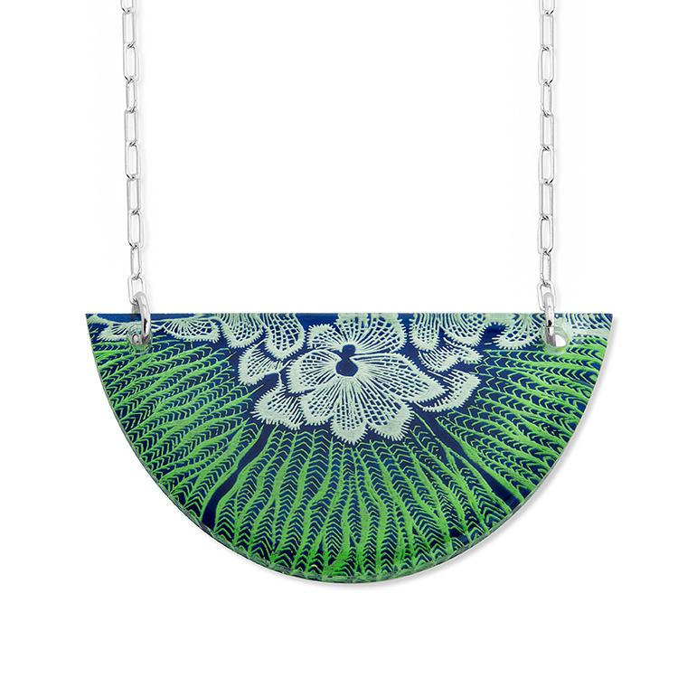 Flower Mollusk Necklace Small Half-Moon in Blue-Green